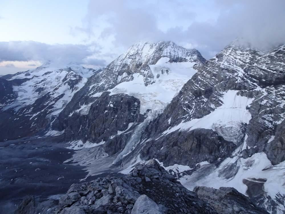 Königsspitze in den Wolken.