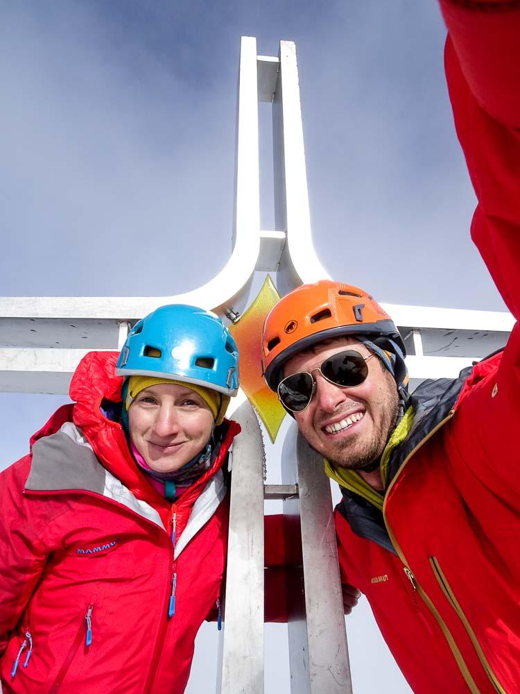 Nach circa 5,5 Stunden (mit Wartezeit) am Gipfel!