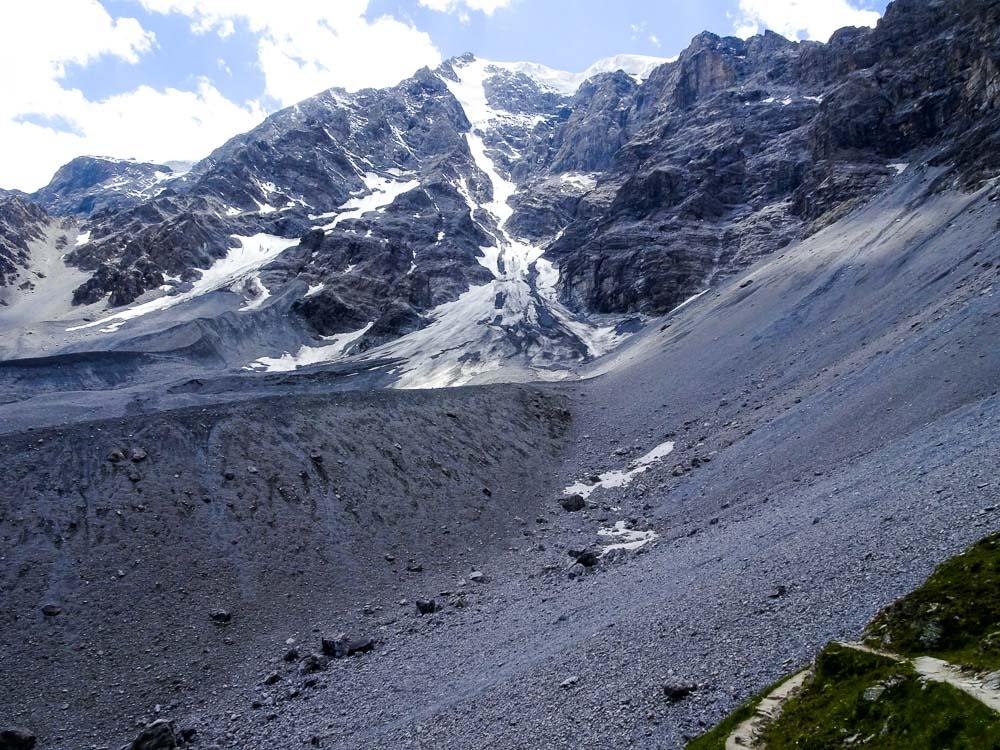 Aussicht von der Tabarettahütte auf die Ortler Nordwand.