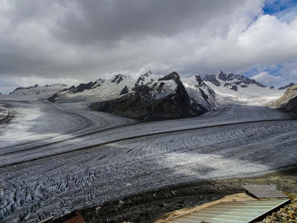 Der Konkordiaplatz - hier fließen 4 Gletscher zusammen.
