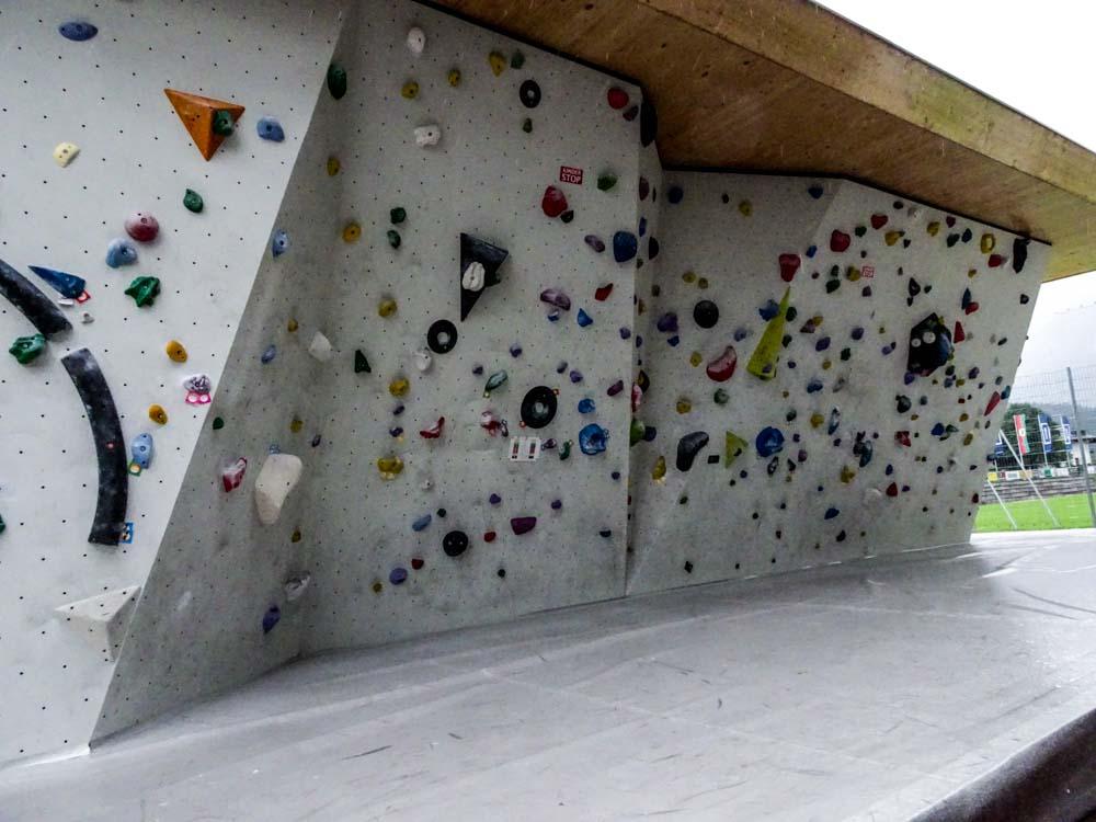 Outdoor-Boulderbereich (Umlaufend - auch auf der anderen Seite)