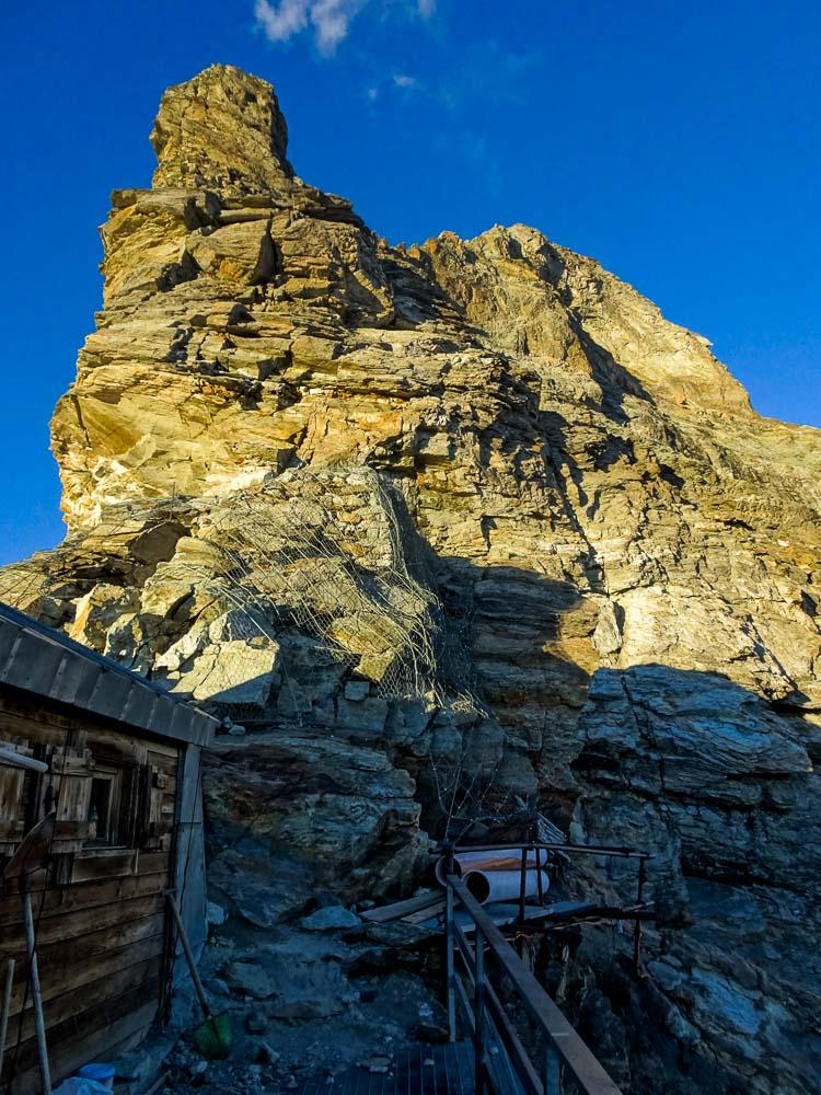 Aussicht vom Biwak auf den Gipfel weit hinten.