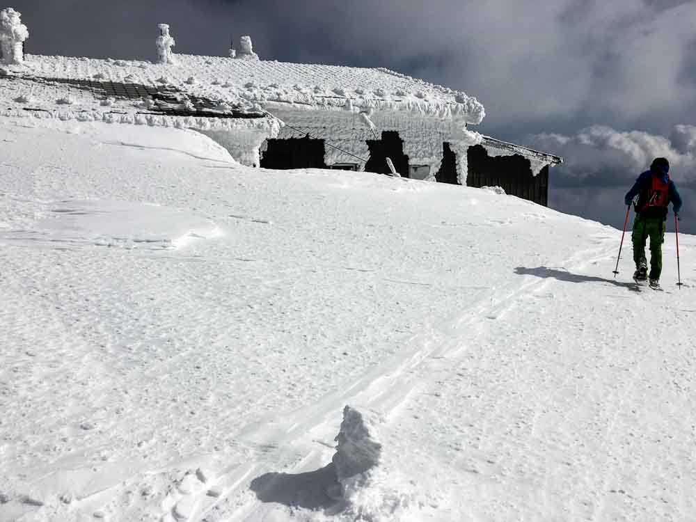 Die letzten Meter bis zur Fischerhütte, ab dort geht es fast eben bis zum Gipfel rüber.