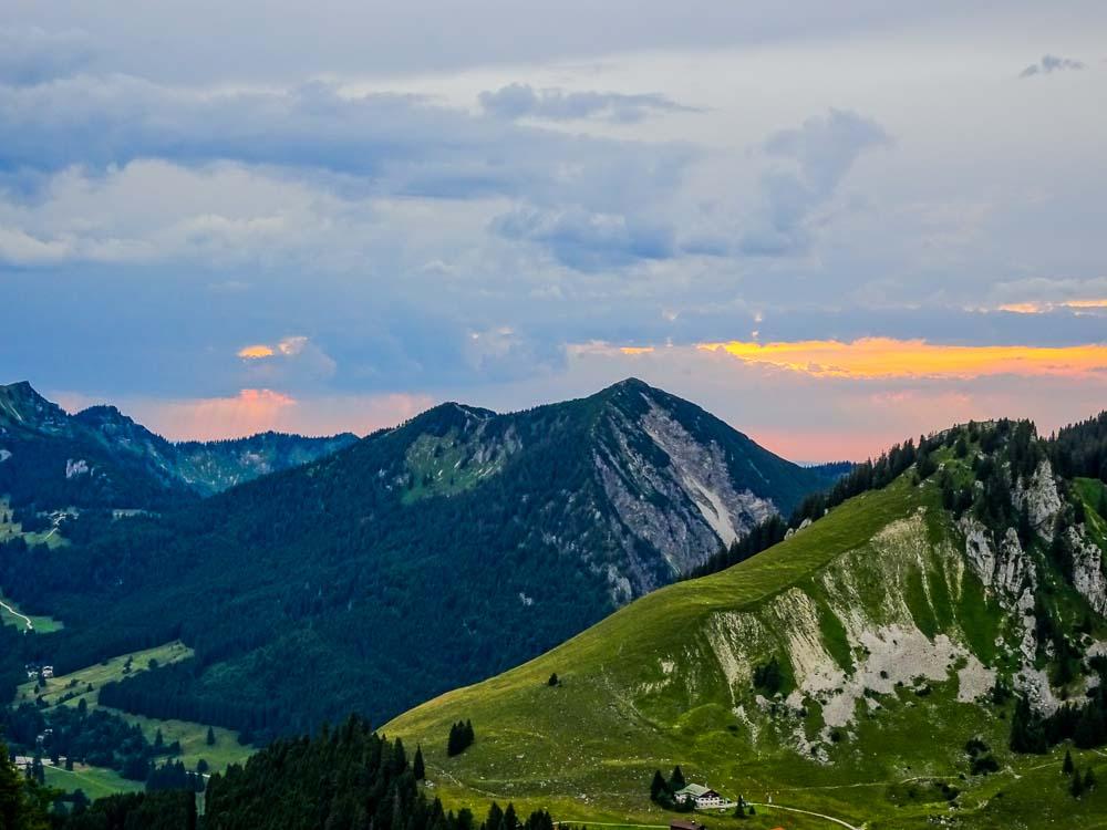 Sonnenuntergang an der Taubenstein Bergstation.