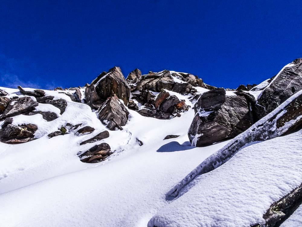 Hier müssen wir hoch zum Gipfel.
