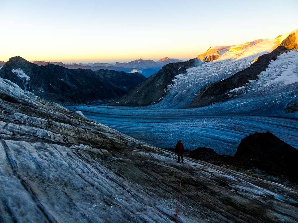 Zum Sonnenaufgang sind wir bereits am Gletscher.