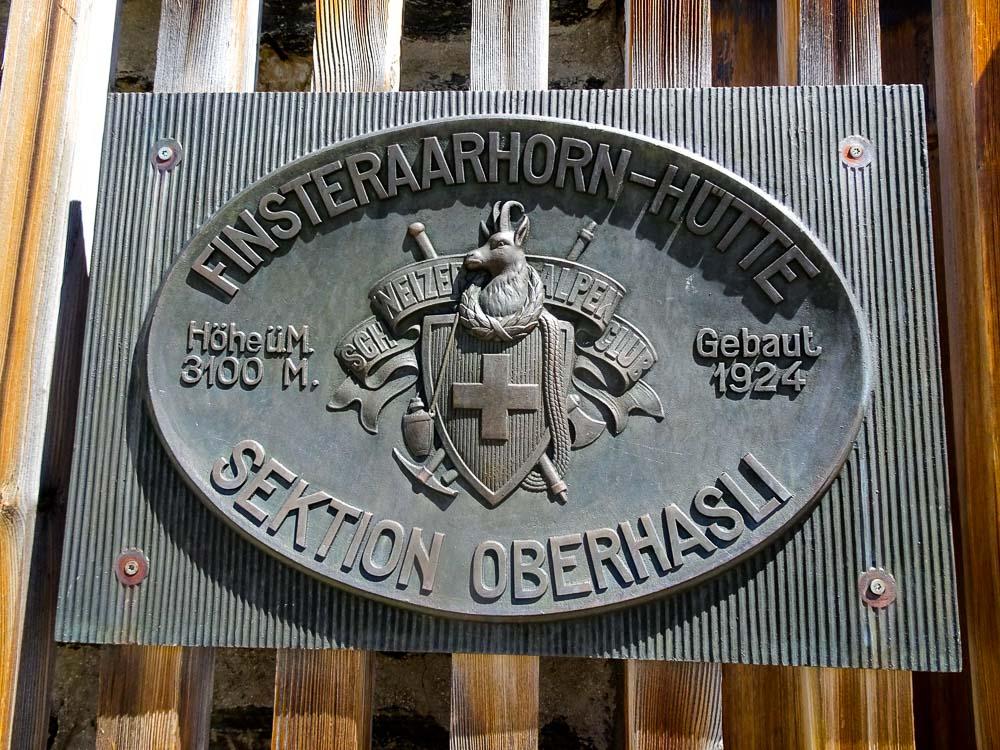 Die Finsteraarhornhütte.