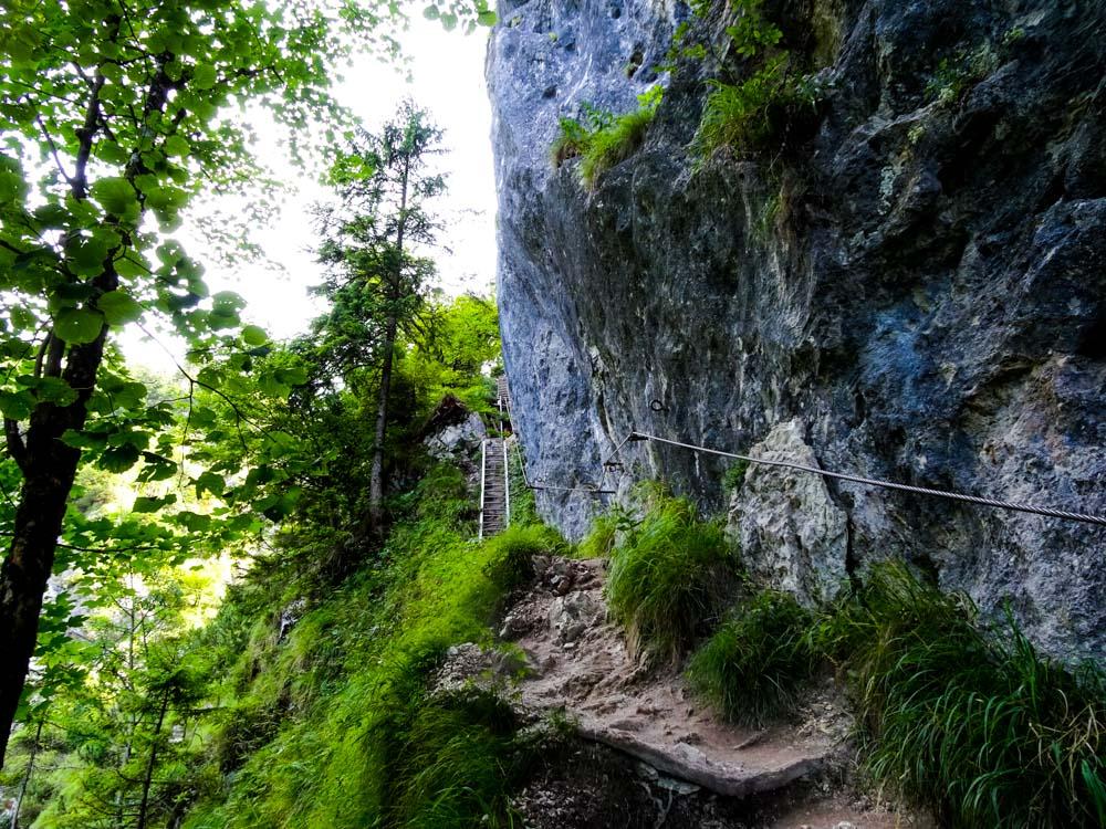 Hinunter ist auch ein kleiner Klettersteig (leicht)