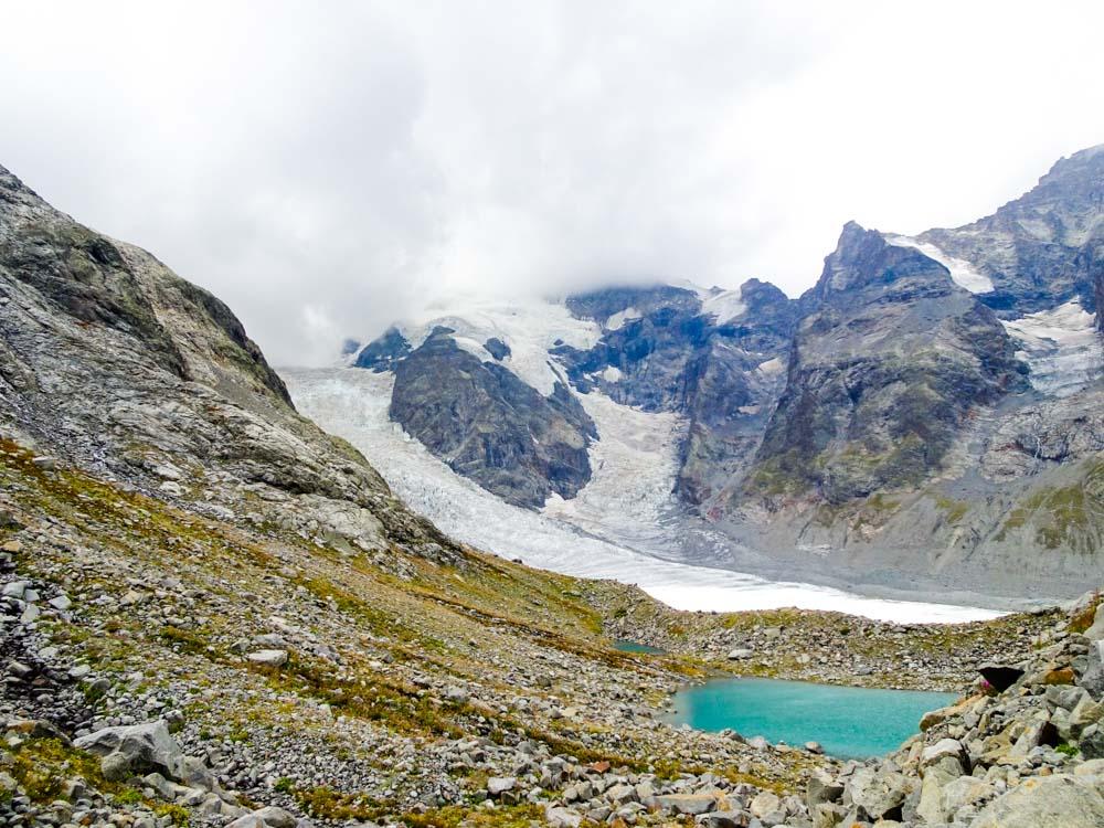 Steinmännchen folgend zu diesem Gletschersee