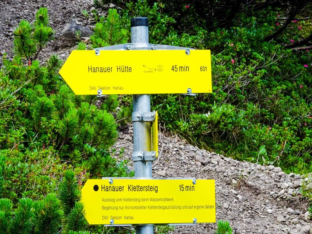 Wir entscheiden uns für den Klettersteig ;)