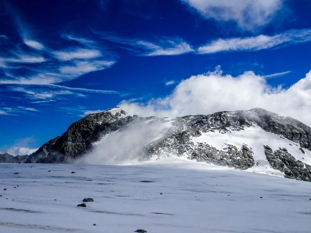 Zurück am Tribbachsattel ging es Richtung Westl. Floitenspitze - überraschenderweise ist der Gletscher hier eher ein Sumpf - Gummistiefel sind gefragt