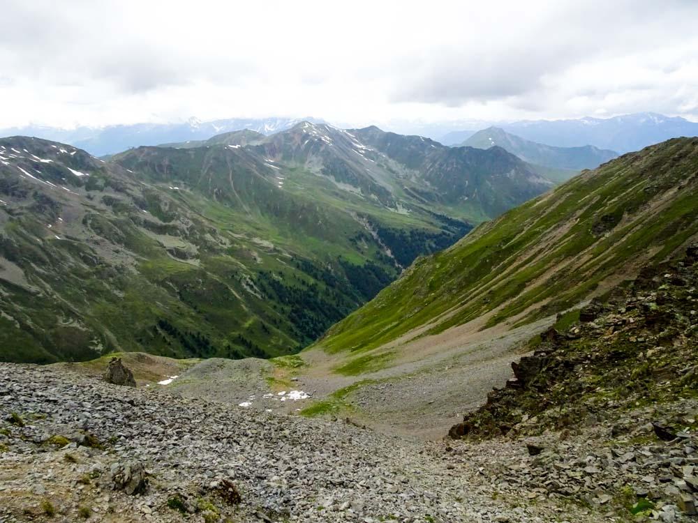 Der Zustieg auf den Glockturm führt am 2.Tag über einen steilen Moränenhang auf den alten Gletscherboden - vom Eis jedoch keine Spur.