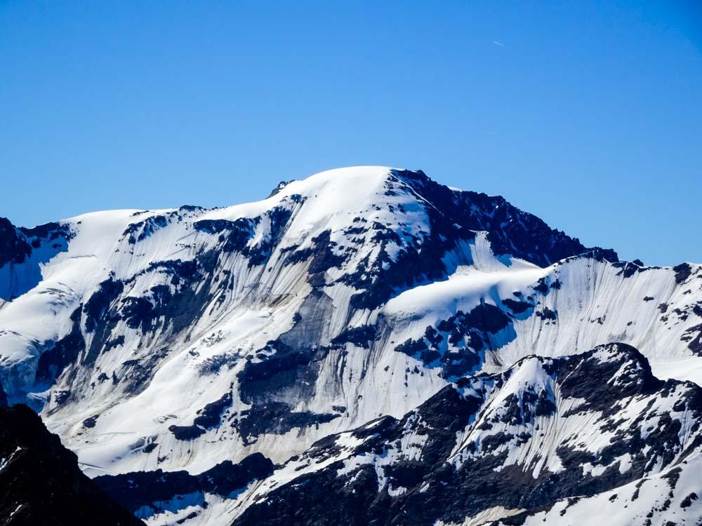 Sie markiert den Talschluss des Kaunertals - die Weißseespitze mit 3500m.
